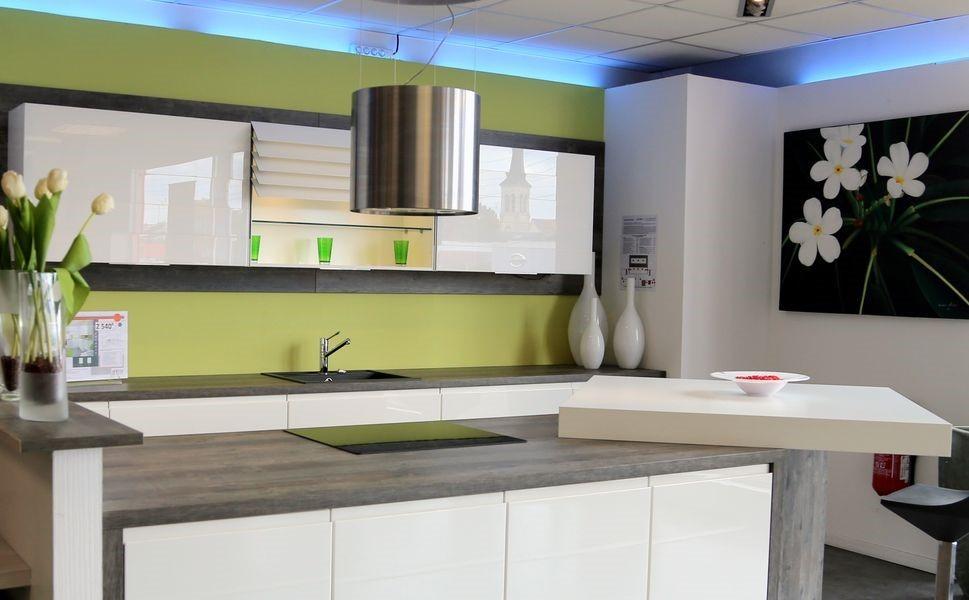 l 39 enseigne envia cuisines sera pr sente au forum franchise lyon 2018. Black Bedroom Furniture Sets. Home Design Ideas