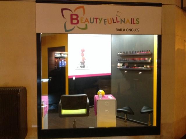 esthetic center ouvre un nouveau beauty full nails issy les moulineaux. Black Bedroom Furniture Sets. Home Design Ideas