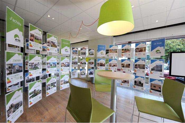 Franchise immobilier dcouvrez les premires photos des for Agencia immobilier