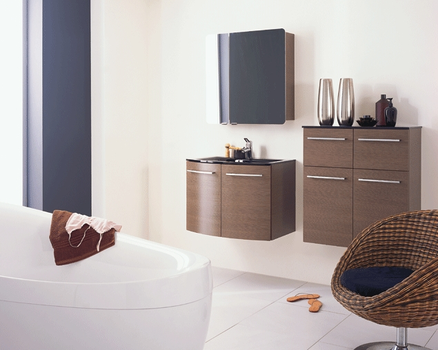 franchise cuisine salles de bains cuisinella les essentiels. Black Bedroom Furniture Sets. Home Design Ideas