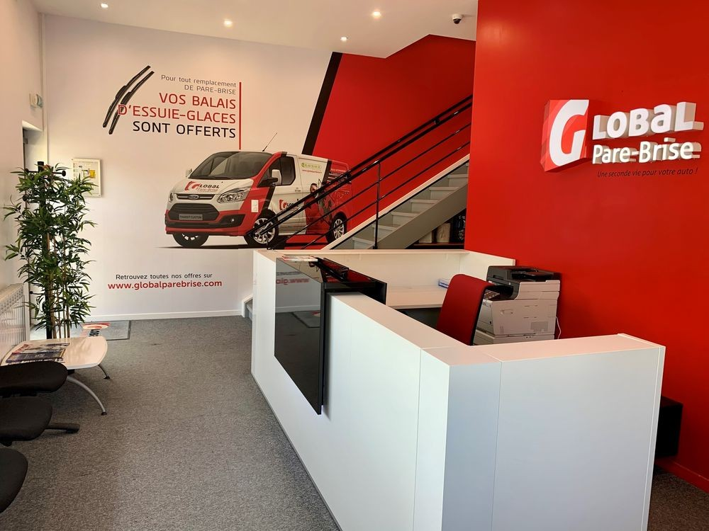 GLOBAL-PARE-BRISE-OUVRIR-FRANCHISE-VITRAGE-AUTOMOBILE-CENTRE-AUTOMOBILE