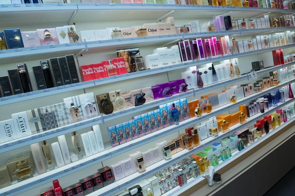Beaute Dans Cosmétiques Passion Parfums Franchise m0Nw8n