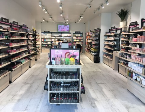 OUVRIR-FRANCHISE-MAGASINSAGA-COSMETICS