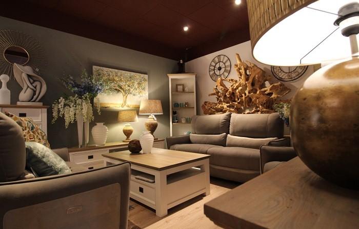 franchise bois et chiffons dans franchise ameublement. Black Bedroom Furniture Sets. Home Design Ideas