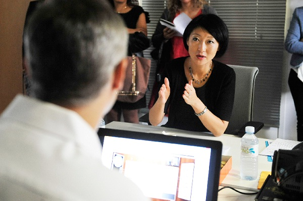 Fleur pellerin rencontre visimmo 3d et dcouvre le salon for Salon virtuel de la franchise