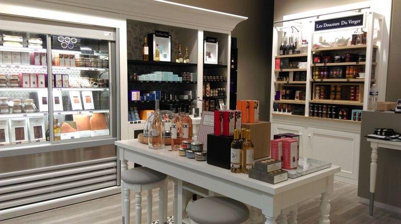 Comtesse du barry inaugure une nouvelle boutique parisienne avenue victor hugo - Boutique avenue victor hugo ...