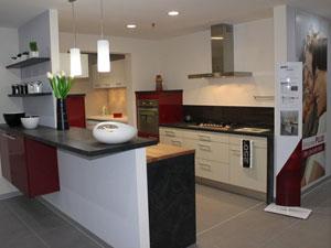 deux nouveaux magasins franchiss ont rejoint le rseau cuisine plus. Black Bedroom Furniture Sets. Home Design Ideas