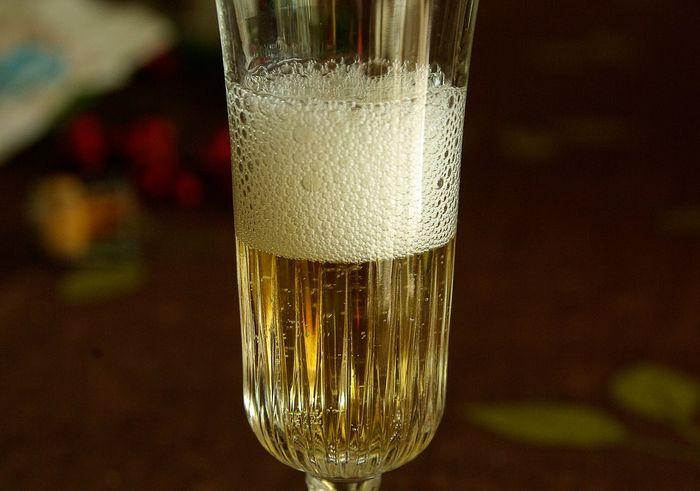 Un cr mant de lidl d tr ne un veuve clicquot - Coupe champagne veuve clicquot ...
