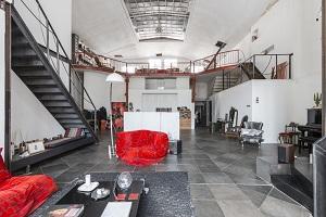 devenir agent immobilier expert en loft avec espaces atypiques. Black Bedroom Furniture Sets. Home Design Ideas