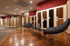 decoplus parquet c est une vingtaine de showrooms d di s aux parquets. Black Bedroom Furniture Sets. Home Design Ideas