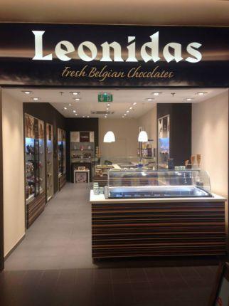 Lenseigne leonidas recrute au salon franchise expo de paris for Salon exposition paris