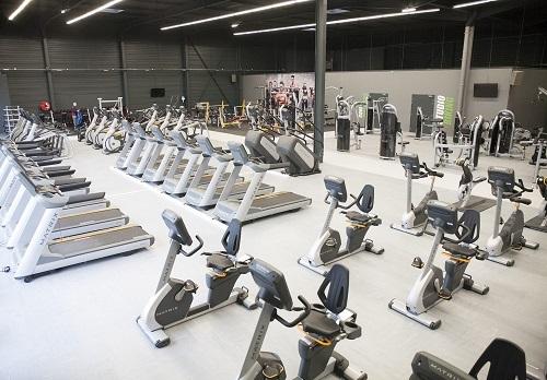 la franchise gigafit ouvre un club de fitness beauvais. Black Bedroom Furniture Sets. Home Design Ideas