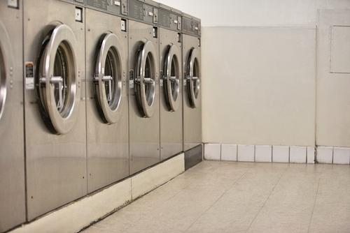 ouvrir une laverie automatique 4 franchises id ales pour. Black Bedroom Furniture Sets. Home Design Ideas