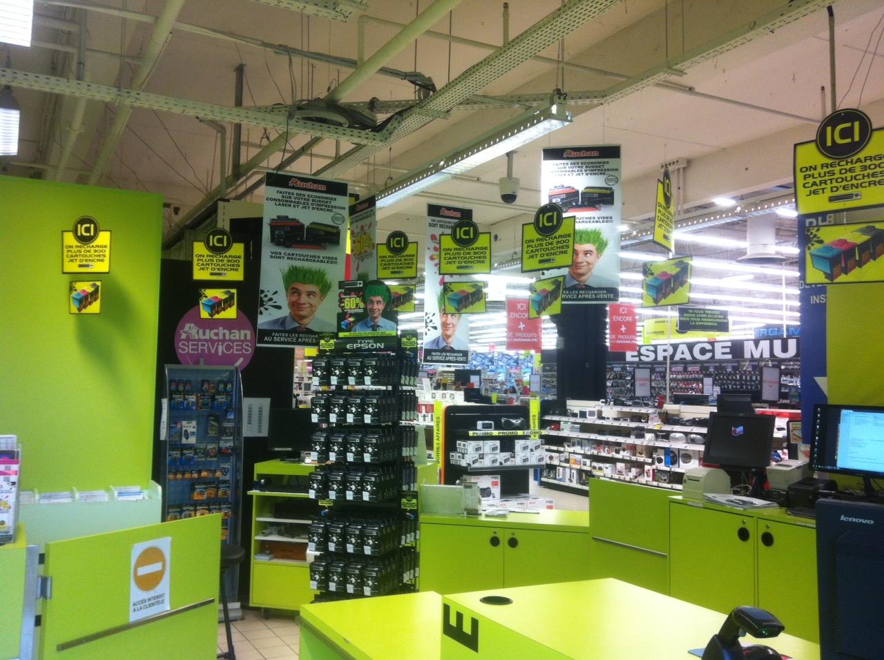 Auchan Accueille Concept Point Le Sein D'encre Magasins Ses Au De Om8wNn0v