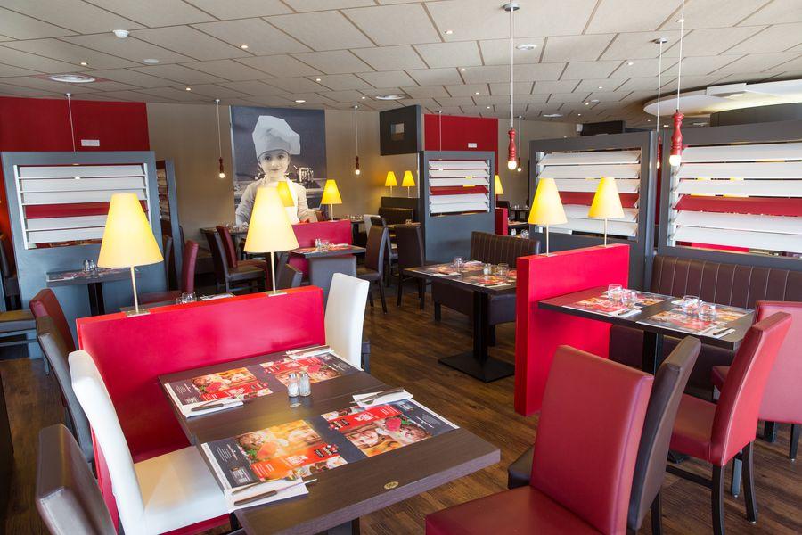 restaurant poivre rouge intérieur