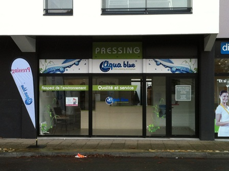 boutique de pressing aqua blue