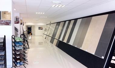 inauguration du showroom auxerrois de carrelagesmoinscher. Black Bedroom Furniture Sets. Home Design Ideas