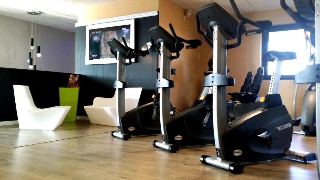 franchise sun form dans franchise sport fitness. Black Bedroom Furniture Sets. Home Design Ideas