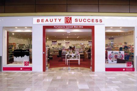 Le pari d une nouvelle image de la parfumerie the retail - Magasin ouvert aujourd hui dans le 57 ...